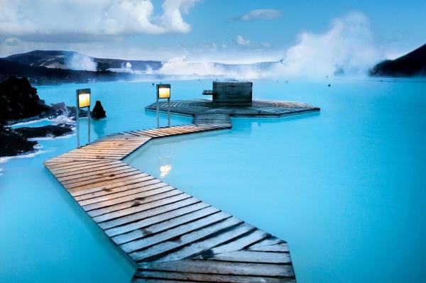 6152355-R3L8T8D-600-blue-lagoon